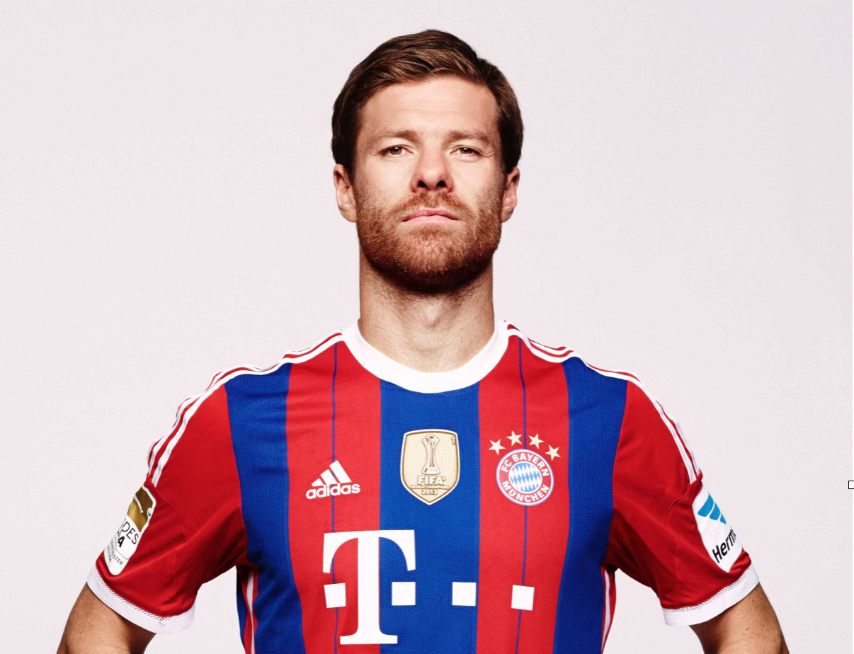 Xabi Alonso recreates Kick to the chest from Spain vs Netherlands